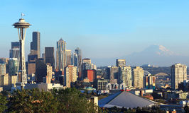 Seattle skyline panorama at sunset & Mt. Rainier. Stock Photography