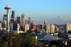 Seattle-Skyline am Sonnenuntergang, WA., Zustand. lizenzfreie stockfotografie
