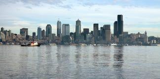 Seattle-Skyline, wie von Alki gesehen Lizenzfreies Stockbild