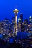 Seattle-Skylinepanorama bei Sonnenuntergang von Kerry Park in Seattle lizenzfreie stockfotos