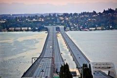 Seattle-Textilienhändler-Insel Washington der Brücken-I-90 Stockfotografie