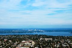 Seattle, usa, Sierpień 30, 2018: Widok z lotu ptaka Seattle miasto obraz royalty free