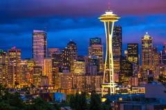 Seattle utrymmevisare på natten Royaltyfri Bild