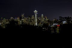 Seattle vid natt Arkivfoto