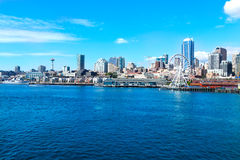 Seattle WA - mars 23, 2011: Seattle strand nära akvariet med marina och fartyg Royaltyfri Fotografi