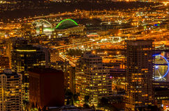 Seattle, WA nachts von der Spitze der Raumnadel lizenzfreie stockfotografie