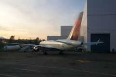SEATTLE, WASHINGTON, Etats-Unis - 27 janvier 2017 : Delta Airlines Boeing 767 avions se préparent à la prise de chez Seattle-Taco Photo stock