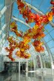 Seattle, Washington, EUA, dezembro, 15, 2015: Dentro do vestíbulo surpreendente de Chihuly que mostra uma arte finala de vidro fu fotografia de stock