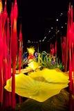 SEATTLE, WASHINGTON, U.S.A. - 23 gennaio 2017: Vetro soffiato nelle forme astratte dei fiori in rosso ed in giallo, mostra vicino Fotografie Stock Libere da Diritti