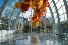 SEATTLE WASHINGTON, USA - JANUARI 24th, 2017: Trädgårds- Chihuly och Glass museum som presenterar en av störst Dale Chihuly ` s Royaltyfria Bilder