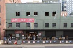 Seattle Washington USA, September, 2016: Curstomers på antikvitetmarknaden arkivfoton
