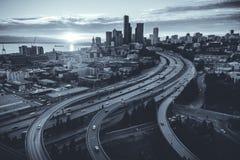 Seattle Washington Waterfront City Skyline med genomskärning av Fr Royaltyfri Fotografi