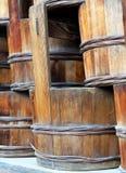 Seaux japonais en bois traditionnels, plan rapproché Image stock