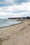 Seaview海滩俯视Solent的北部东部怀特岛郡近对Ryde 免版税图库摄影