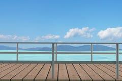 Seaview con il percorso di legno in 3D rende l'immagine Fotografia Stock