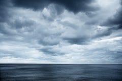 Seaview con los cielos nublados imágenes de archivo libres de regalías