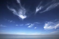 Seaview met bewolkte hemelen Royalty-vrije Stock Foto
