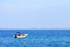 Seaview mit Boot Lizenzfreies Stockfoto