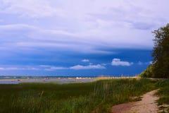 Seaview vóór de onweersbui Stock Afbeeldingen