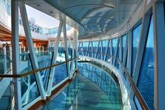 Seawalk en verre de plancher sur le bateau de croisière Photographie stock libre de droits