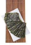 seaweed сухая морская водоросль на предпосылке Стоковое Изображение