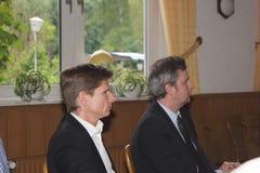 Sebastian Blumethal medlemmen av Bundestagen, samman med Dr. Heiner Garg, tidigare sociala angelägenheter sörjer för och ställföre arkivfoto