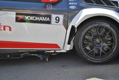 Sebastien Loeb在种族以后的汽车损伤 免版税图库摄影