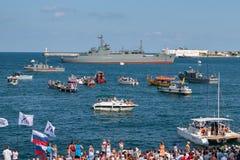Sebastopol, de Oekraïne - Juli 31, 2011: Het militaire schip stock foto