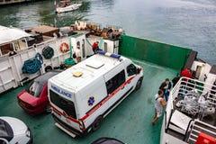 """SEBASTOPOLI, CRIMEA - SETTEMBRE 2014: Traghetto """"ammiraglio Istomin """" immagine stock"""