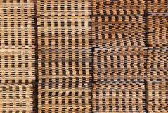 Secado apilado de los tablones de la madera del pino Fotos de archivo