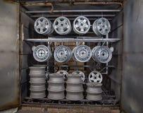 Secado de los nuevos discos autos del metal Fotografía de archivo libre de regalías