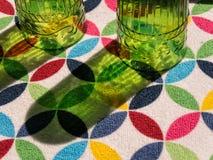 Secagem dos vidros da cozinha imagem de stock