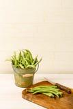 Secchio dei fagiolini freschi Fotografia Stock