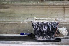 secchio del cemento in tempio Fotografia Stock Libera da Diritti