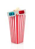 Secchio del popcorn e vetri 3d Immagine Stock