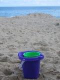 Secchio della spiaggia Fotografia Stock