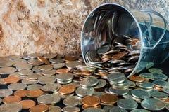 Secchio delle monete di U.S.A. fotografia stock libera da diritti