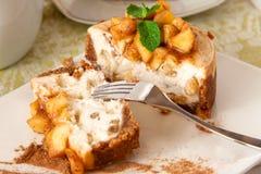 Sección del pastel de queso de Apple foto de archivo