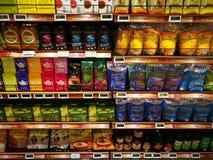 Sección bien escogida sana de las comidas orgánicas, supermercado Fotos de archivo libres de regalías