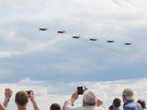 Sechs aerobatic Team Swifts der Flugzeuge Lizenzfreies Stockfoto