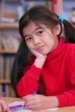 Sechs Einjahres Mädchenfarbton. Stockfoto
