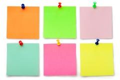 Sechs klebrige Anmerkungen der Farbe Stockbilder