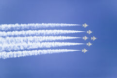 Sechs kämpfende Falcons der US-Luftwaffe-F-16C, Stockbilder