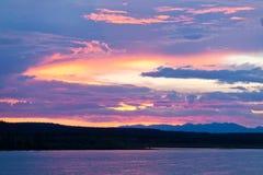 Sechs Meilen-Flusssonnenuntergang-Himmel Yukon-Territorium Kanada Stockfotografie