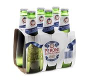 Sechs Satz Peroni-Bier Lizenzfreies Stockfoto