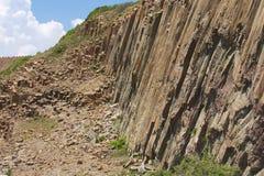Sechseckige Spalten des vulkanischen Ursprung bei Hong Kong Global Geopark in Hong Kong, China lizenzfreies stockfoto