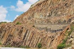 Sechseckige Spalten des vulkanischen Ursprung bei Hong Kong Global Geopark in Hong Kong, China lizenzfreies stockbild