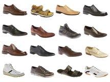 Sechzehn Schuhe des Mannes Stockfotos