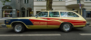 Secolo di taglia media di Buick dell'automobile, uno station wagon &#x28 di 4 porte; Terzo generation) , 1977 Fotografia Stock