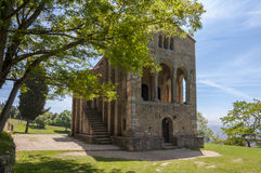 Secolo pre-romanico IX della chiesa di Santa MarÃa del Naranco Fotografie Stock Libere da Diritti